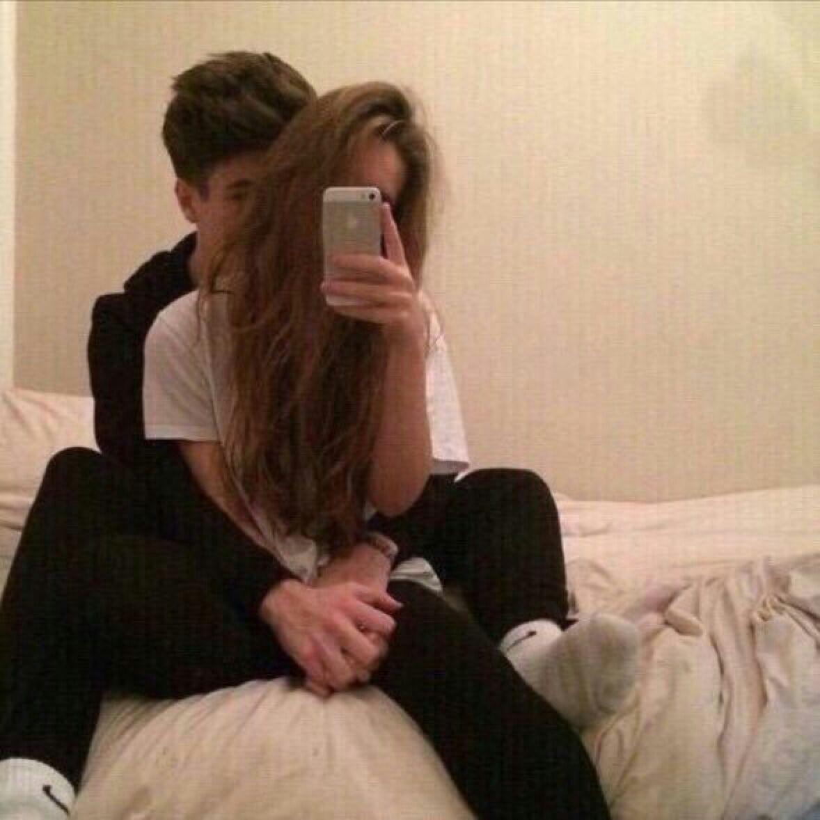 Русая девушка с парнем фото