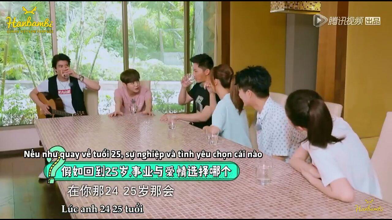 Luhan: Lúc anh 24, 25 tuổi, anh sẽ chọn cái nào, tình yêu hay là sự nghiệp? (Luhan vẫn muốn nói đến 24 tuổi)
