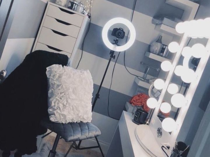 [her filming room for todays video]