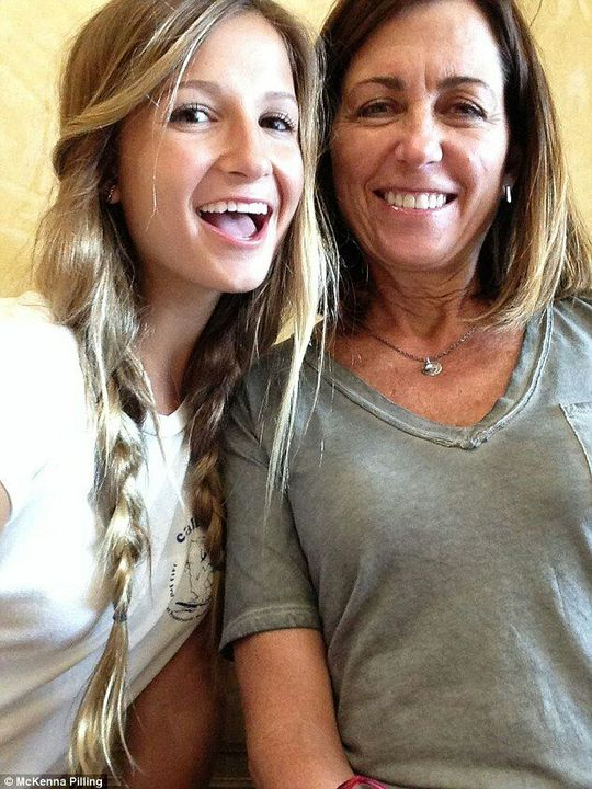 Real moms and daughters nude pic — photo 2
