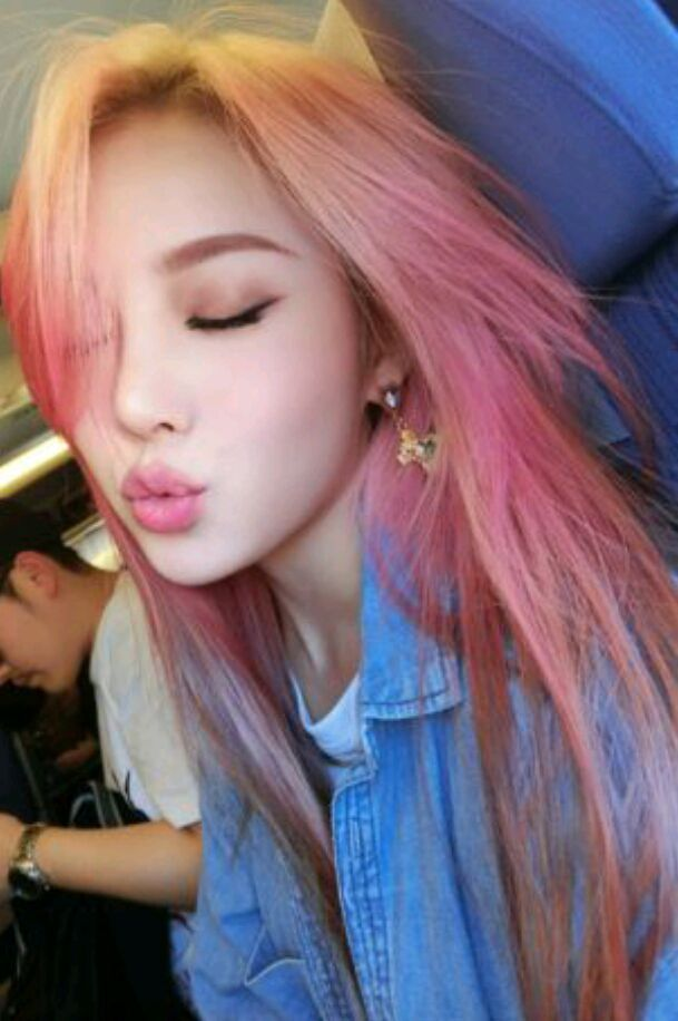 Yeri-A makeup artist and pro at fashion she is a part time worker at the mall she was born in Seoul, South Korea