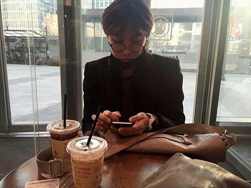 °Una cita completamente elegante a pesar de solo ir al café que está frente a su agencia