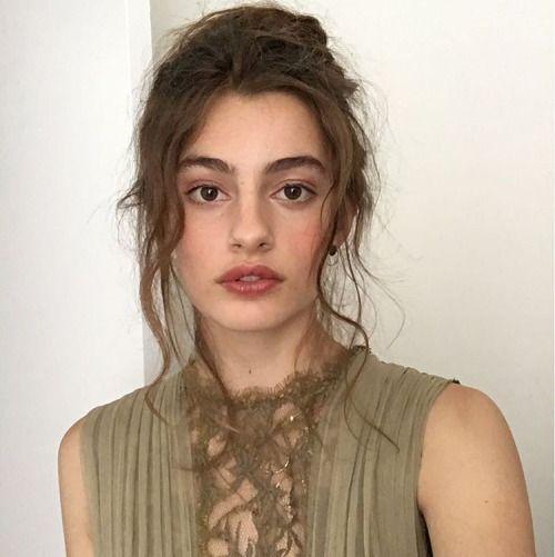 Model : Diana Silvers