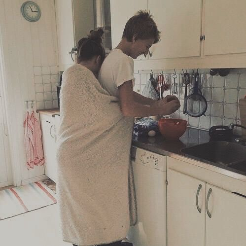 willarose[caption]Lukey Pukey is attempting to cook (he's v bad)