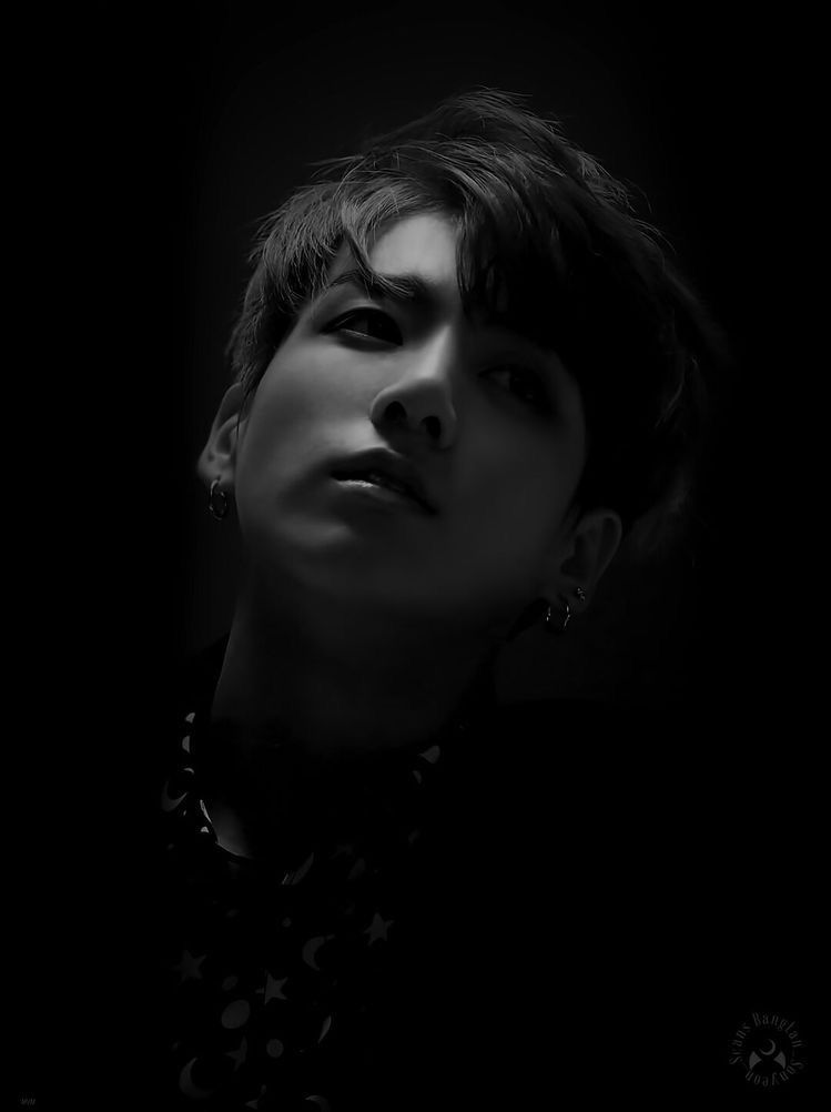 JUNGKOOKnew video up: reacting to people's edits of me 👀 I particularly loved this one, so dark and mysterious 🖤