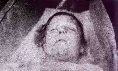 Mary Ann Nichols (above), known as this polly, was probably in her early 40s when she met the ripper while soliciting in Buck's Row (now Durward Street) in Whitechapel