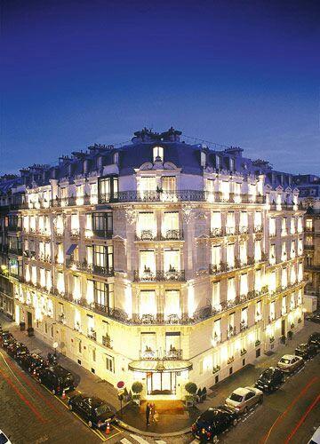 Khách sạn La Tremoille Paris