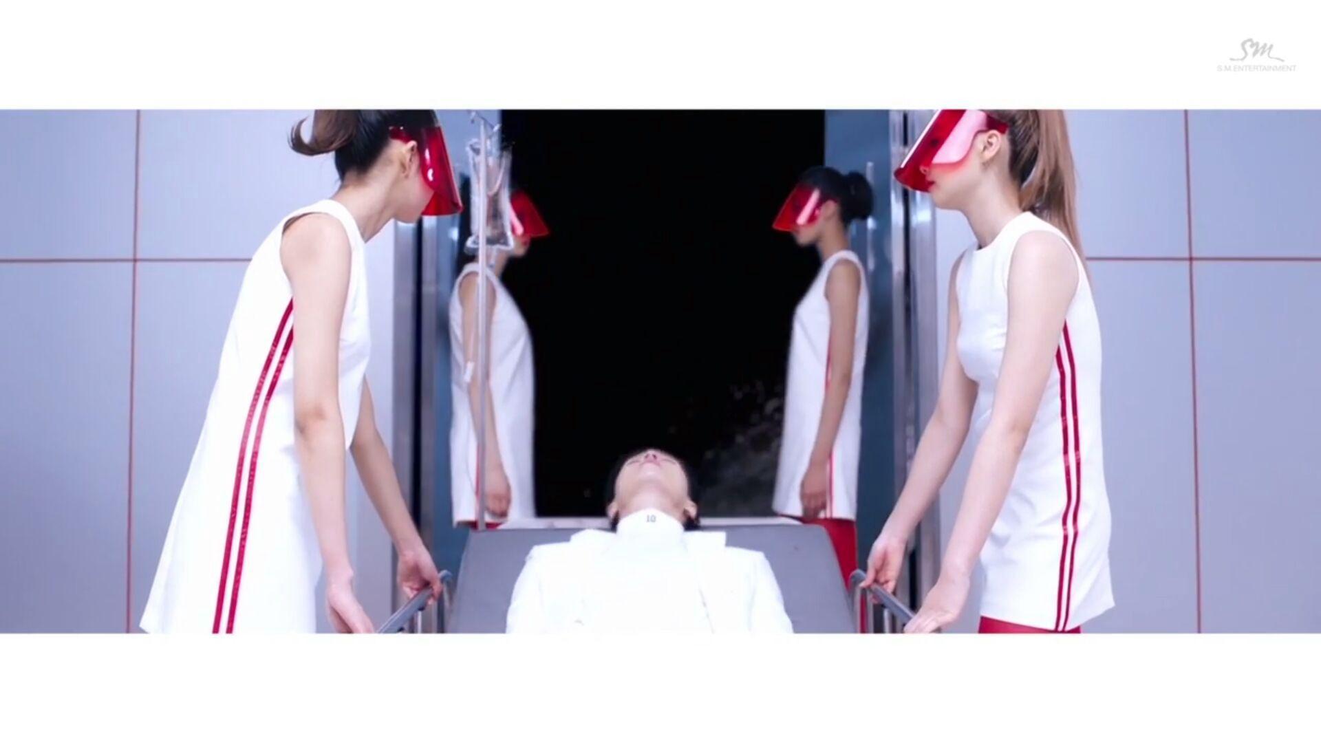 Nurse 1: pandai jugak dia pengsan