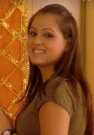 She is very close friend of Geet and Meera
