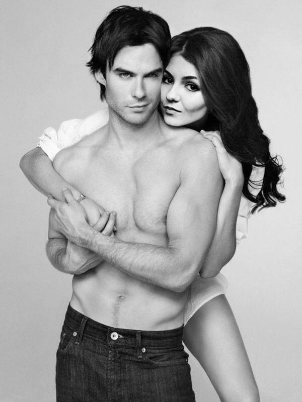 seksualnie-fotosessiya-dnevnikov-vampira