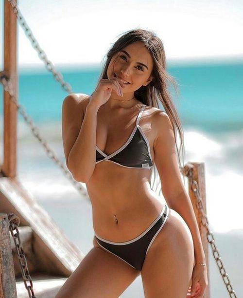 Sideboobs Claudia Tihan  nudes (53 foto), 2019, swimsuit
