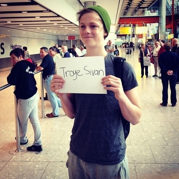 tanyaburr: Caspar is awaiting your arrival